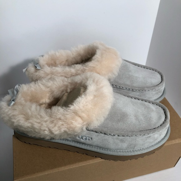 737a0386310 Ugg Grove moccasin slippers gray nib size *RARE* NWT